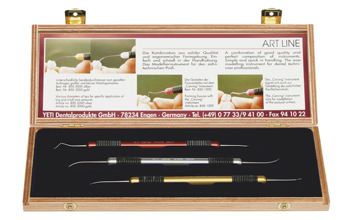 ARTLINE Set in wooden case